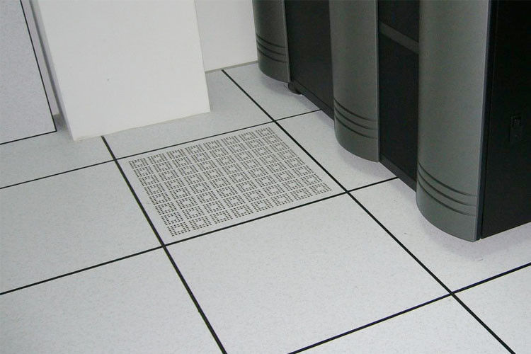 Metal Perforated Raised Floor 20%-90% Air Flow  800 LB Concentrated Load